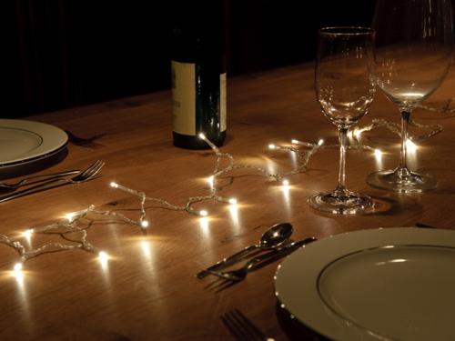 Lichterkette Mit Kleinen Lampchen Eignet Sich Perfekt Als Tischdeko