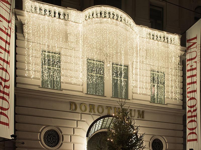 Weihnachtliche Lichtervorhänge