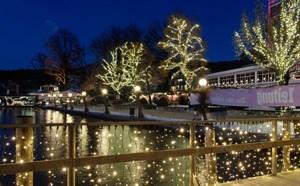 Weihnachtsbeleuchtung von Leso bringt das Hotel innen und außen zum Strahlen