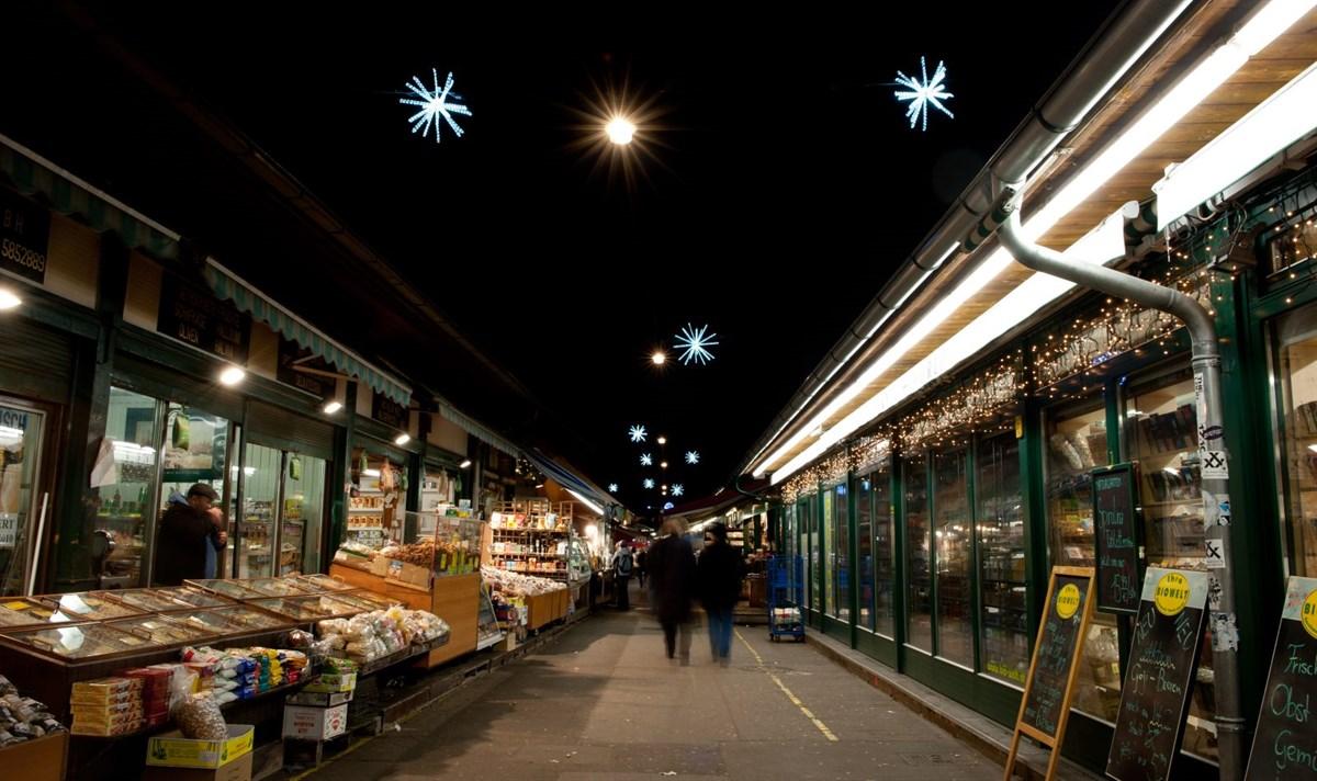 weihnachtsbeleuchtung-stimmungsvoll-weihnachtsmarkt