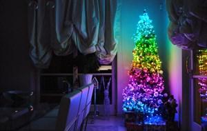 weihnachtsbaum-rot-blu-gruen