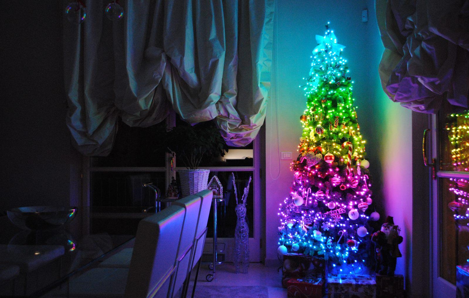 Tannenbaum Netzgerät.Twinkly Weihnachtsbeleuchtung