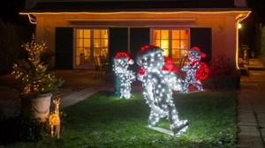 Weihnachtsfiguren für draußen ziehen die Blicke auf Ihr Hotel