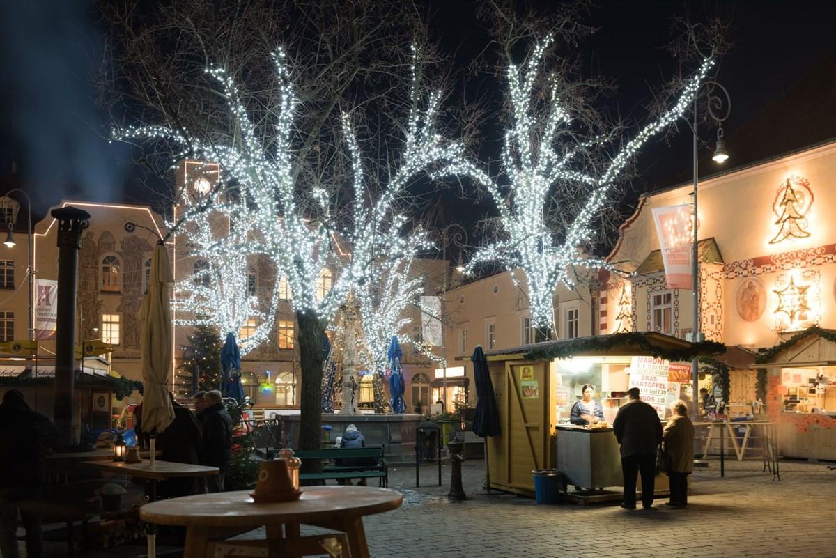 Glanzvolle Weihnachtsbeleuchtung für jeden Weihnachtsmarkt