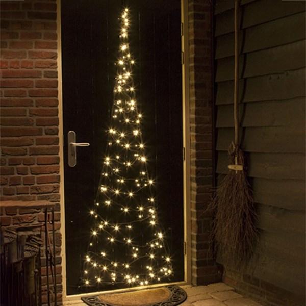 weihnachtstrends-2021-weihnachtsbeleuchtung-minimalismus-tuerbeleuchtung